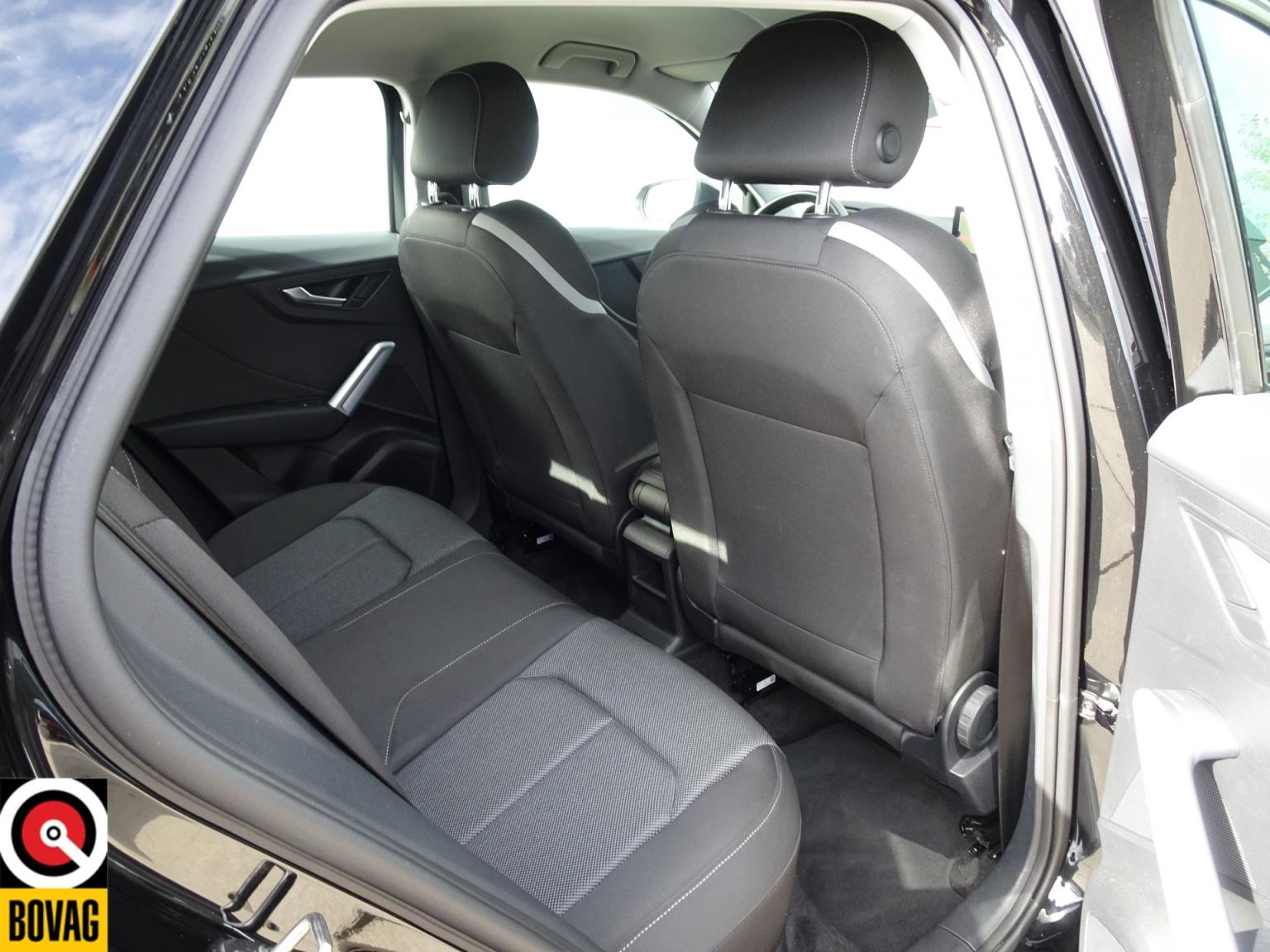 Audi-Q2-18