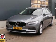 Volvo-V90-4