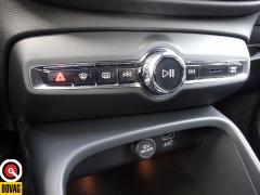 Volvo-XC40-36