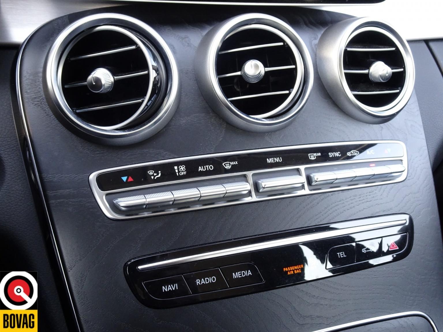 Mercedes-Benz-C-Klasse-27