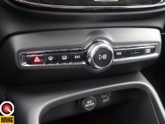 Volvo-XC40-30