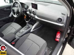 Audi-Q2-24