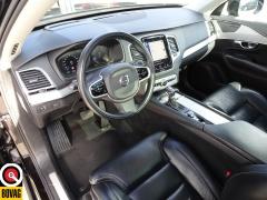 Volvo-XC90-18