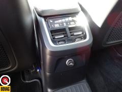 Volvo-XC90-65