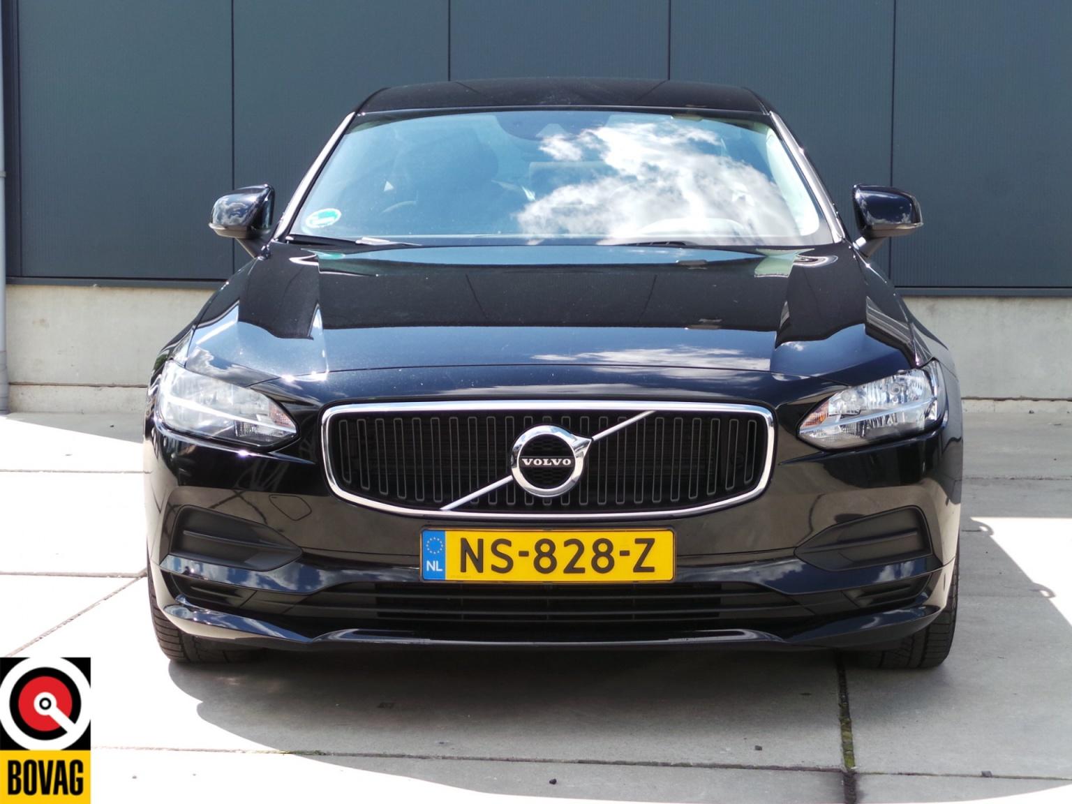 Volvo-S90-10