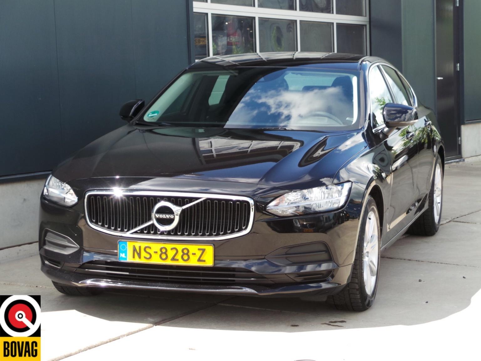 Volvo-S90-0